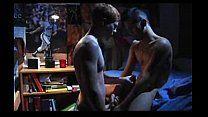 Os sarados carecas em uma noite romântica de sexo