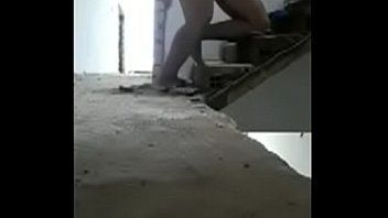 Abrindo pernas do pintor safado e bombando