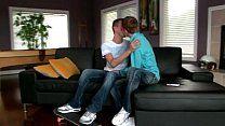 Boys novinhos galegos fazendo porno no sofá