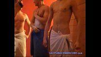 Putaria gay na sauna entre amigos dotados