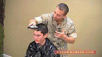 Comandante fodendo com soldado novinho