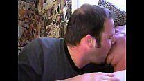 Gays coroas trocam beijos e ficam excitados para liberar bundinhas
