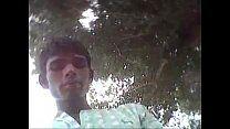 Indiano gay ao ar livre bolinando pau grande
