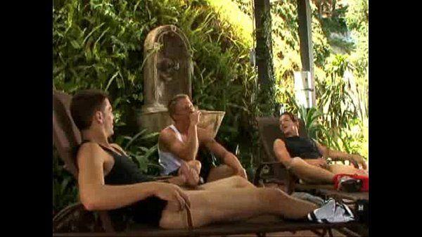 Garotos atletas na sentada gostosa no porno gay
