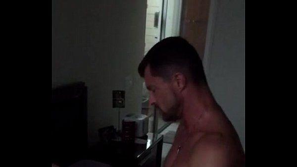 Bombadinhos na putaria caseira com jatadas fortes