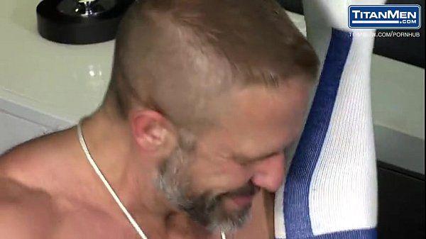 Homossexuais danados de sarados na enrabada brutal