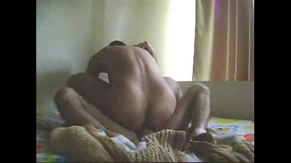 Boa foda amadora de rabudo gostoso sentando na rola