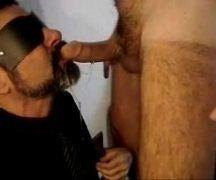 Moreno carioca de venda no rosto em foda gay amadora