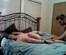 Sexo gay amador de casal guloso com carinho
