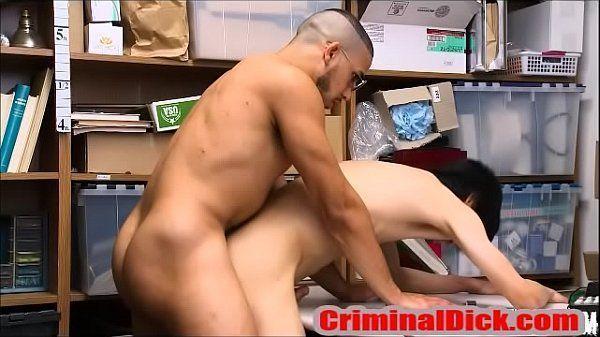 Porno gay empregados safadinhos fodendo gostoso no depósito da firma