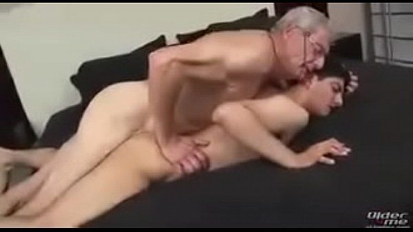 Hot gay list velhão fudendo novinho safado que adora rola no cu